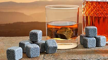 Pierres à whisky et glaçons granit